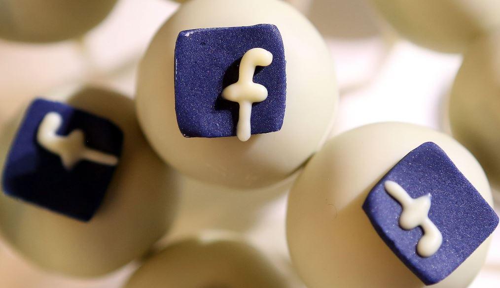 tìm qua mạng xã hội
